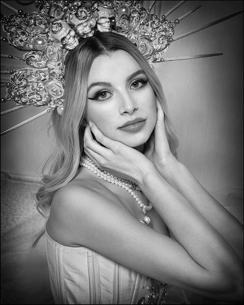 Alyssa-Model-Headshots-3 - Model and Actor Portfolio Photography by Luminous Light Photo
