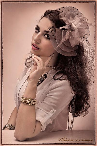 Yasmine-Vintage-Fashion by LuminousLight