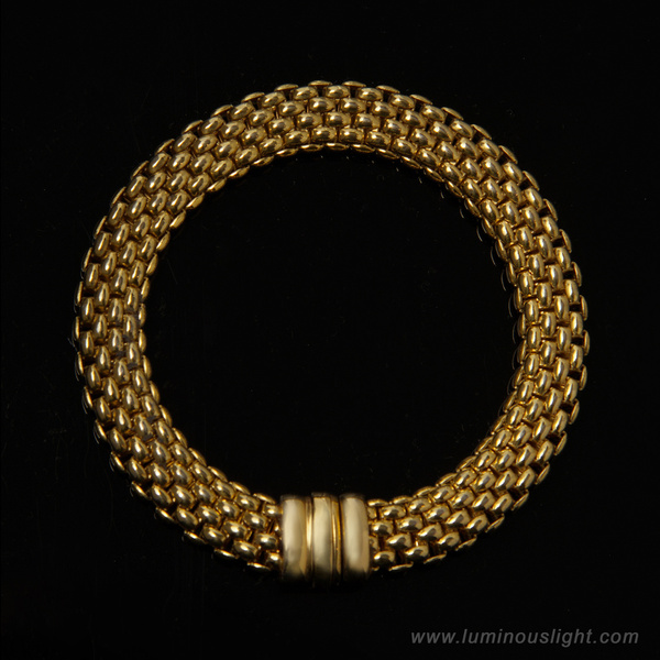 Jewelly-Gold_Bracelet - High Quality Product Photography by Luminous Light Photography Toronto
