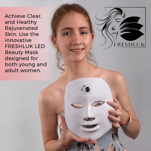 LED-Beauty-Mask-4 by LuminousLight