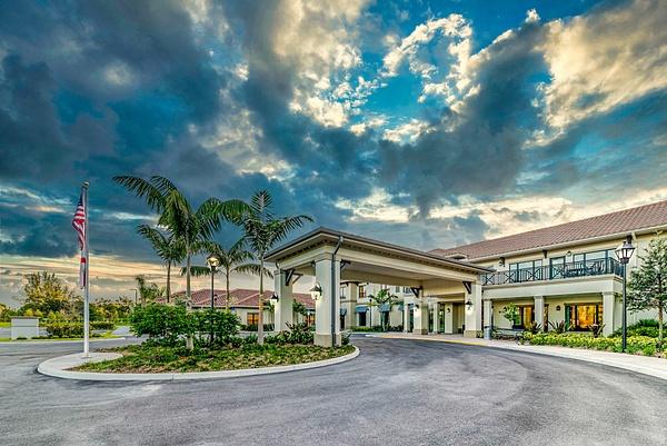 Royal Palm - Corporate Portfolio - Clifton Haley Photography