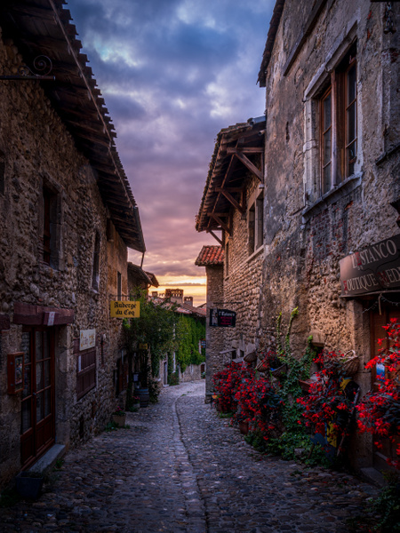 Pérouges-Medieval City-La Dombes-France-Sunrise - Home - Thomas Speck Photography