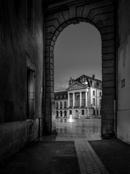 Dijon-Palais des Ducs-France-Rue des Ducs-Edit-2 - Black White - Thomas Speck Photography