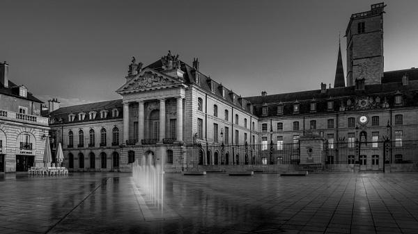 Dijon-Palais des Ducs et des États de Bourgogne-Side View-BW - Black White - Thomas Speck Photography