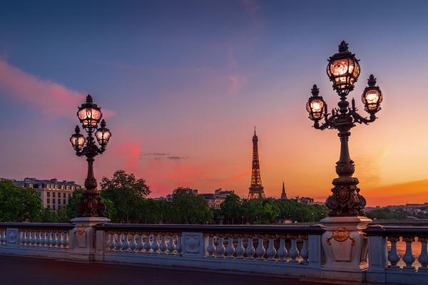 Paris-Pont-Alexandre-trois-Eiffel-Tower-Sunset-colorful - Home - Thomas Speck Photography