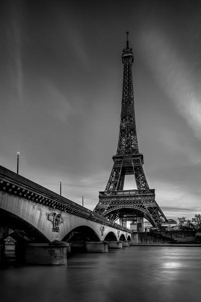 Paris-Pont d'Iéna-Eiffel Tower-Seine River - Black White - Thomas Speck Photography
