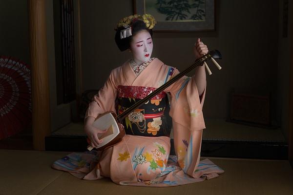 girl-2 - Japan in Autumn - Kirit Vora Photography