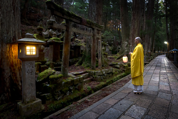 Monk2-1 - Japan in Autumn - Kirit Vora Photography