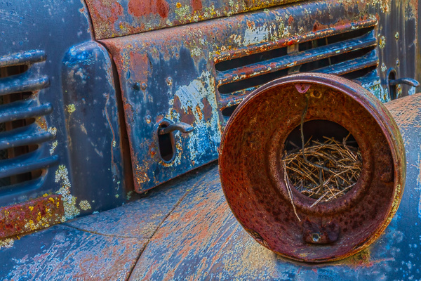 Old Car at Hot Sams by Richard Isenhart