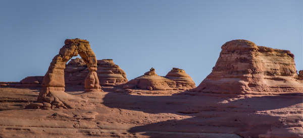 delicate arch no people by Richard Isenhart
