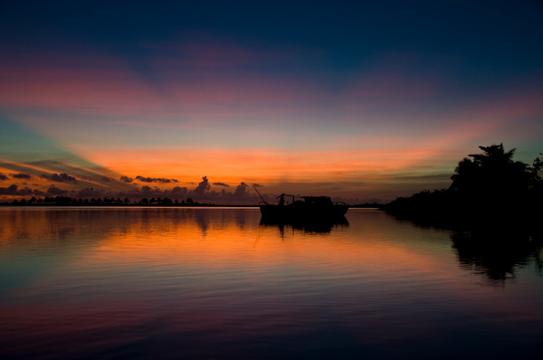 Savaii sunrise by soulJAH