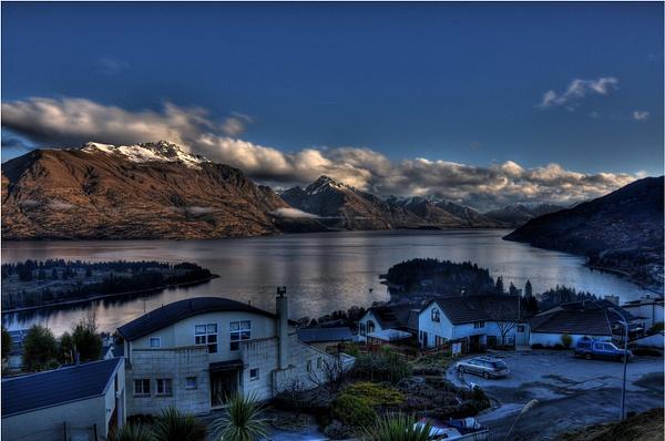 Queenstown - Lake Wakatipuipu by soulJAH