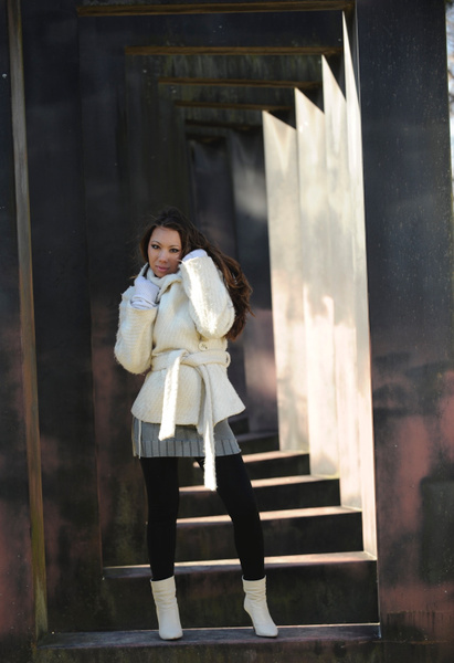 Winter coat Nicole - Commercial - Keith Ibsen Photography