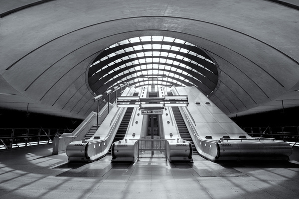 Canary Wharf Station - Architectural photography -Delfino photography