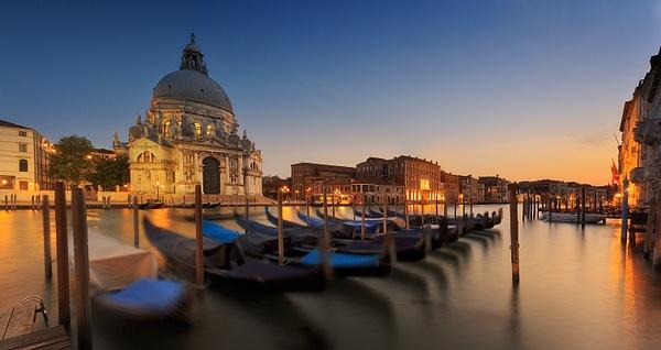 Basilica S. Maria della Salute Venice - Urban landscapes - Delfino Photography