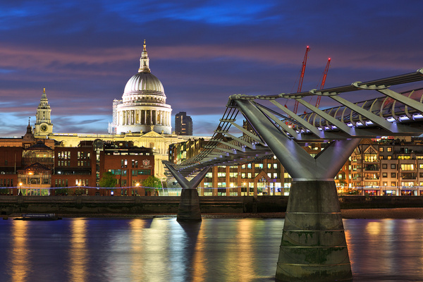 Stpauls and millenium bridge - Urban landscapes - Delfino Photography