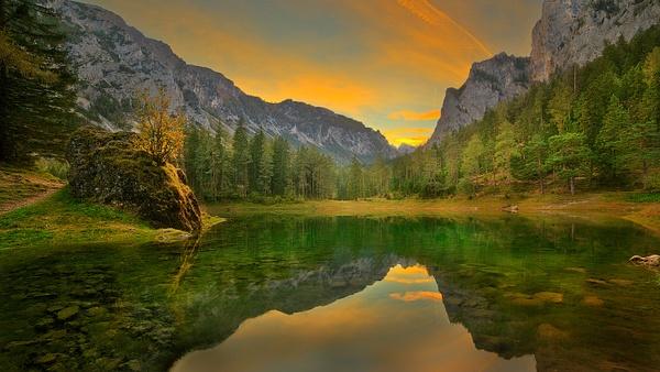 Grüner See Sonnenuntergang - Landscape photographyDelfino photography