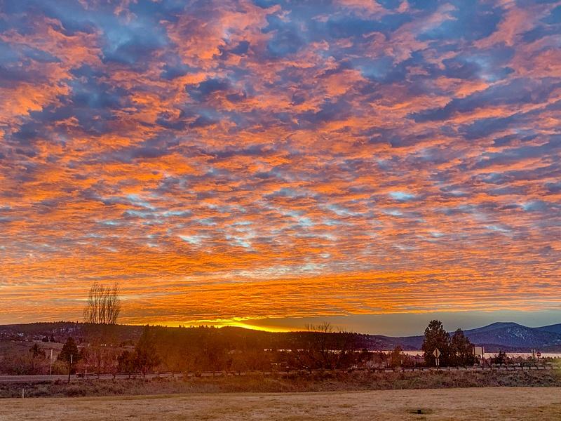 Sunset over Klamath Basis