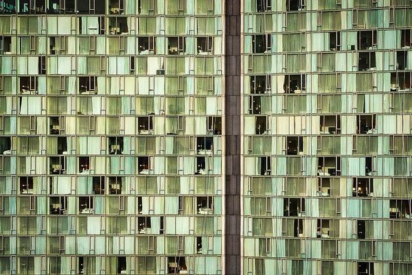 2019_011 - Facade - New York by ALEJANDRO DEMBO