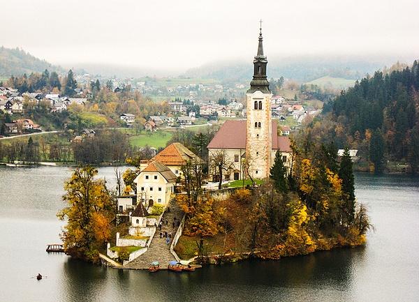Slovenia by zanyzan