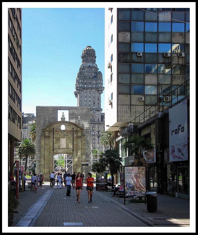 10 City Gate, Montevideo, Uruguay