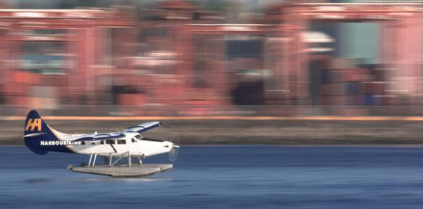 Harbour Air - Cityscape - McKinlay Photo