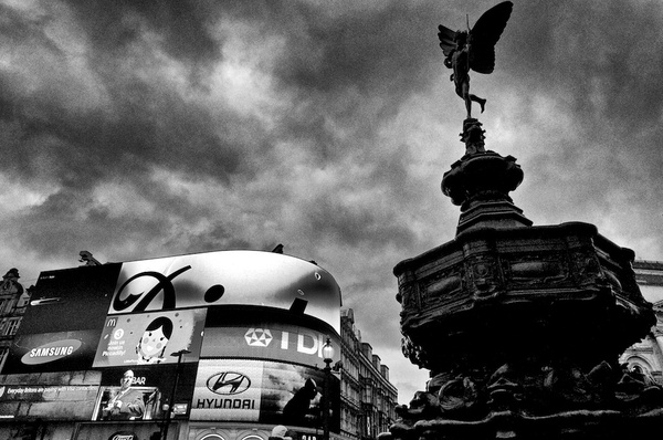 Piccadilly Circus - Black and White - MassimoUsai