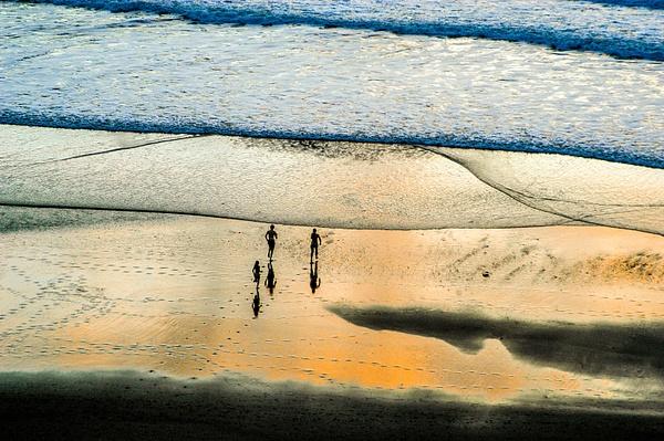 Sea by Ron Pierce