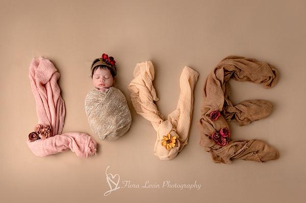 Baby Girl Love Sign - Newborn - Flora Levin Photography