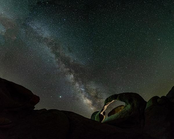 Mobius Arch Alabama Hills_Milky Way - Nocturnal - Stan Pechner