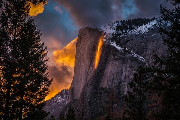 Fire Falls_Yosemite_sunset - Sun - Stan Pechner