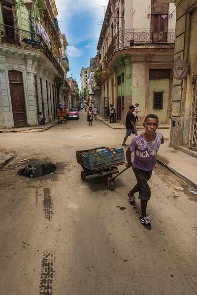 Havana Cuba_Street Pedler - Cuba - Sten Pechner
