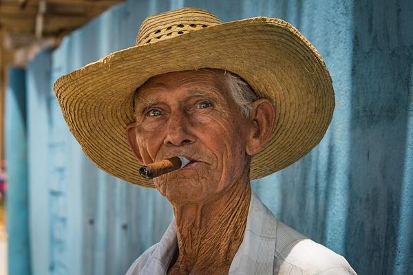 Viñales_Cuba_Cigar - Cuba - Sten Pechner