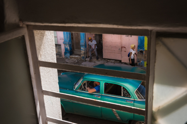 Window to the past - Cuba - Sten Pechner