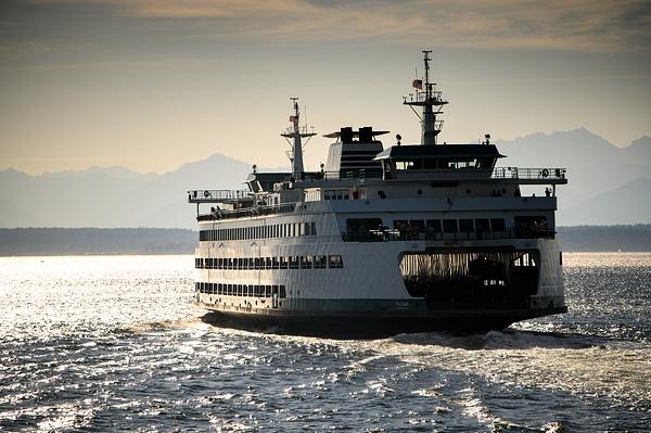 Seattle: Washington State Ferry heading out towards the Olympic mountain range - Spotlight: Seattle - Jonathan C. Watson Photography