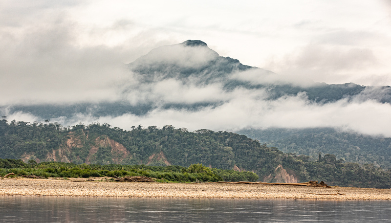 Early morning on the Beni River