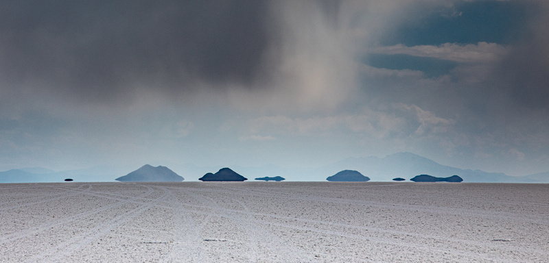 Hovering islands