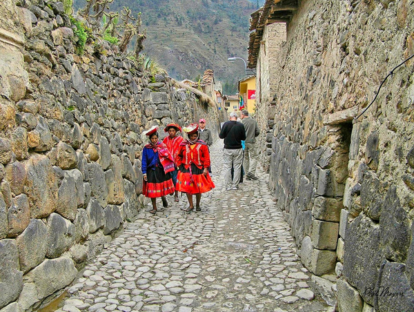 Incan Street - People - Phil Mason Photography