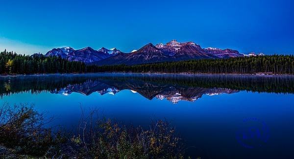 Herbert Lake Sunrise(panorama) - Home - Walter Nussbaumer Photography