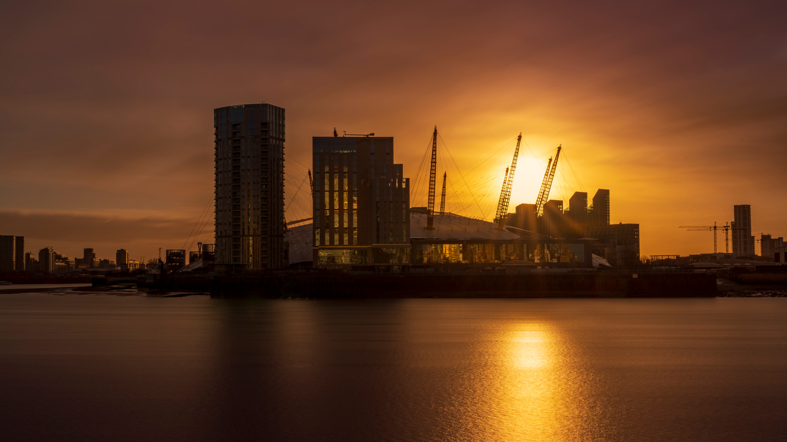 Sunrise at the O2