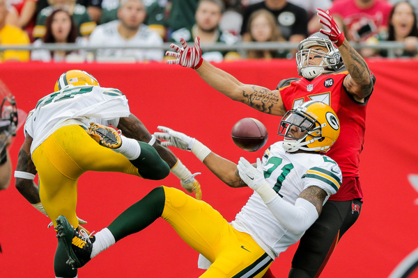 Bucs vs Packers - 0869a - Football - Scott Kelby