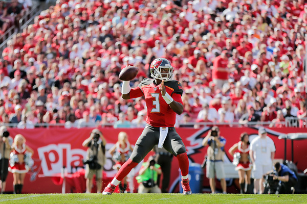 NFL 2015 - Bucs vs Saints 1236 by Scott Kelby