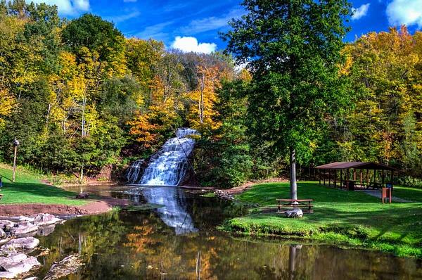 Holley Falls (US0174) - Additional Information - Bella Mondo Images