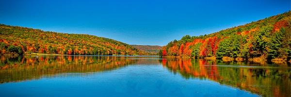 2020 Fall Foliage (US17009) - Panorama - Bella Mondo Images