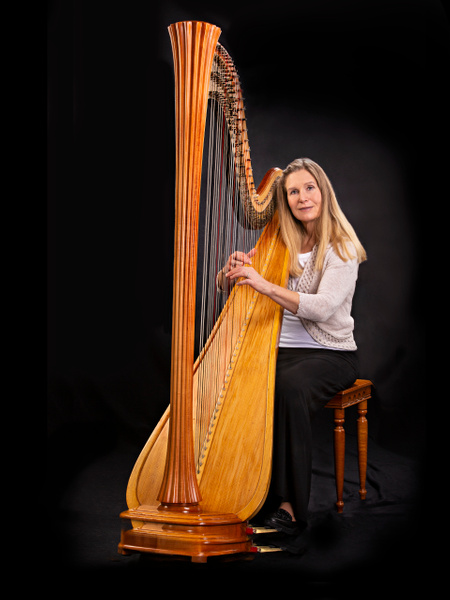 Holly and Her Harp - Home - Lightweaver Photography