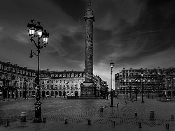 La Place Vendôme en noir et blanc