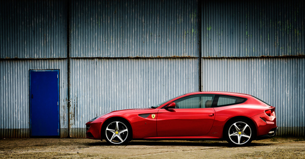 Ferrari FF - Automotive and car photography