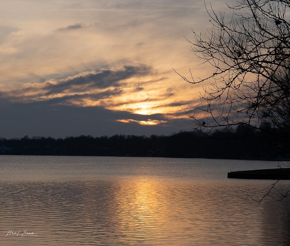201231_Sun sets on final night of 2020