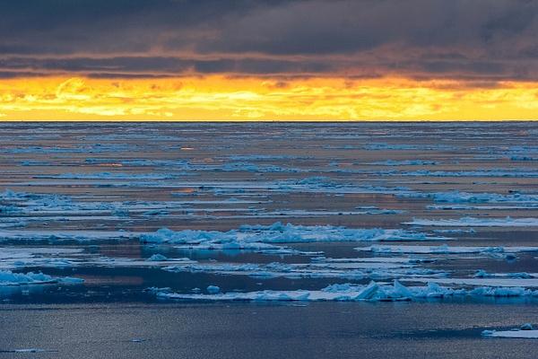 antarctica_12-19-2004_818 - Snow and Ice - ErikEilers