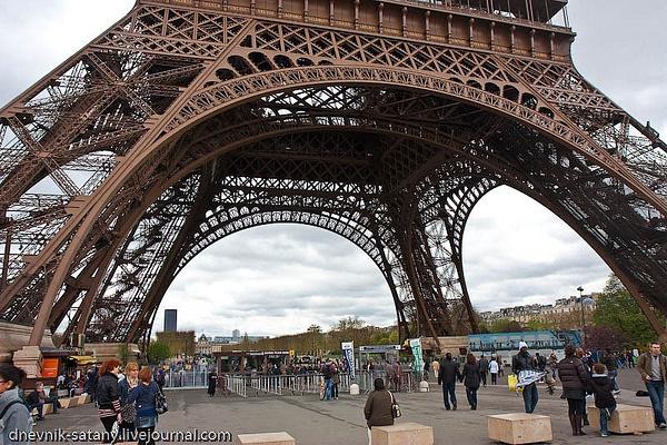 Paris-(101-of-330) by Sergey Kokovenko